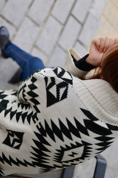 Woman Fashion Long Sleeve Short Apricot Wool Sweater QJ131112410-2