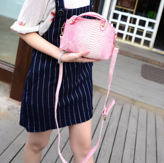 Cheap Women Fashion Zipper Design Snake Skin Pink PU Slanting Bag