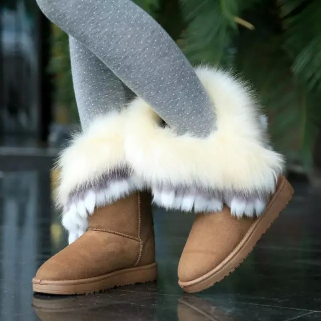 Inverno moda rodada toe penas decorados slip-on flat low heel caqui PU meados de bezerro botas de neve