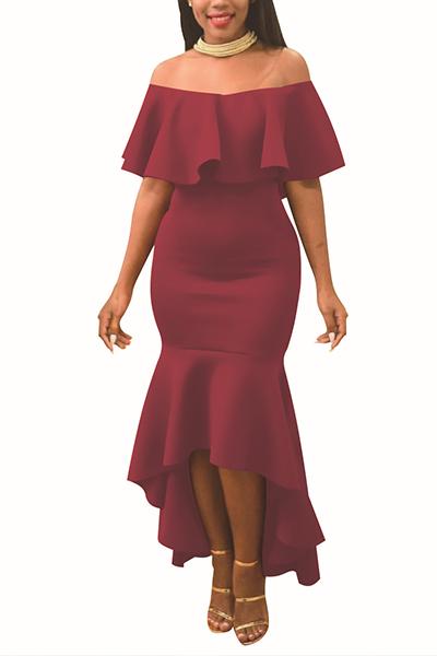 Encantador hombro de rocío falbala diseño de vino rojo poliéster vestido de longitud de tobillo