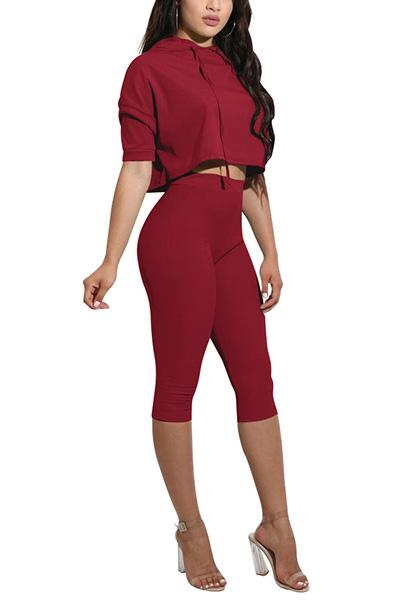Camisola com capuz com capa curta Red Red Qmilch Conjunto de Shorts de duas peças